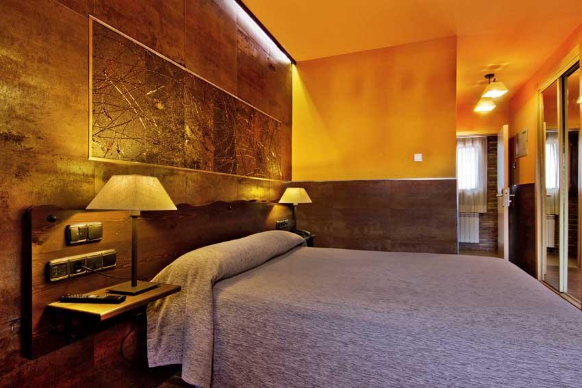 Hoteles en albarrac n hotel do a blanca teruel for Hoteles con habitaciones comunicadas